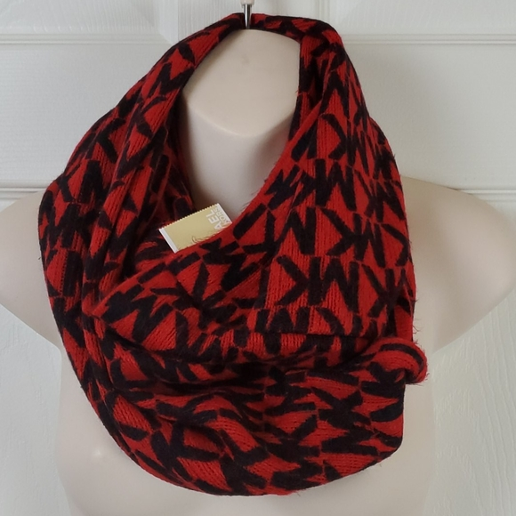 Nwt red/black Michael Kors infinity scarf wrap